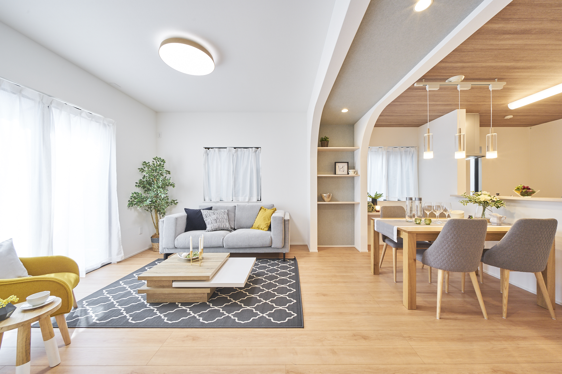 HOME STAGING JAPAN